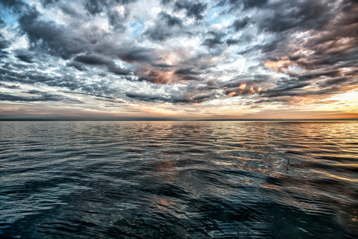Panoramic「Awe sunset over Lake Constance, Switzerland」:スマホ壁紙(10)