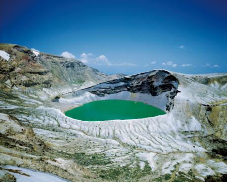 Caldera「Crater lake in the Zaou Mountain Range,  Miyagi Prefecture,  Japan」:スマホ壁紙(11)