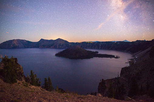 Crater Lake National Park「Crater Lake and Wizard Island」:スマホ壁紙(16)