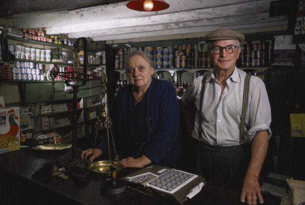 Retail Occupation「Local Shop」:写真・画像(0)[壁紙.com]
