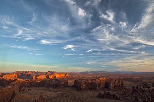 Shadow「Morning light on famous formations of Monument Valley Tribal Park」:スマホ壁紙(8)