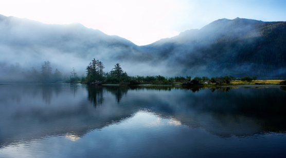 British Columbia「Morning light  and mist across sound and mountains」:スマホ壁紙(1)