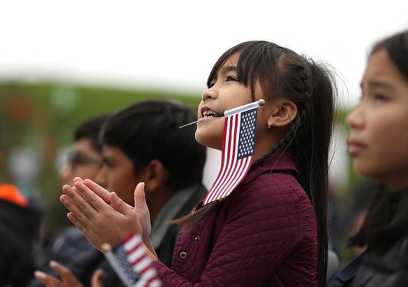 ヒューマンインタレスト「Naturalization Ceremony Held For 25 Children And Their Parents In San Francisco」:写真・画像(11)[壁紙.com]