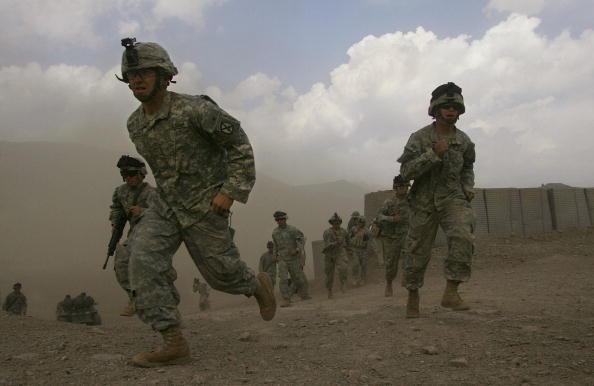 Army Soldier「U.S. And Afghan Forces Hunt Taliban Near Pakistan Border」:写真・画像(16)[壁紙.com]