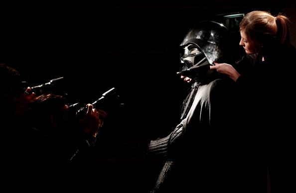 Darth Vader「Iconic Movie Costume Unveiled Ahead Of Christie's Auction」:写真・画像(16)[壁紙.com]