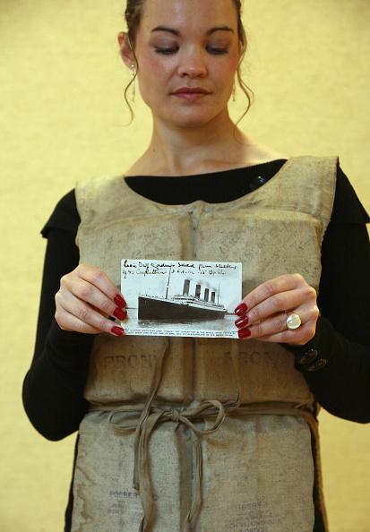 Passenger Craft「Titanic Survivor Life Preserver To Be Auctioned」:写真・画像(7)[壁紙.com]