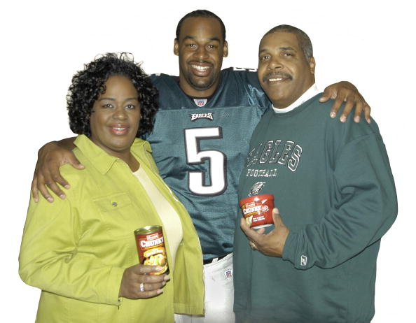 Philadelphia Eagles「Donovan McNabb and Parents Featured in New Series of Chunky Soup Commercials」:写真・画像(2)[壁紙.com]