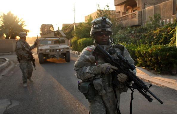Baghdad「U.S. Army Patrols Baghdad Neighborhoods」:写真・画像(4)[壁紙.com]