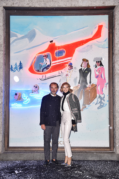 人体部位「Moncler Flagship Store Opening Cocktail - White Carpet」:写真・画像(1)[壁紙.com]