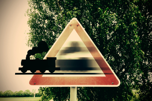 SL「Germany, Road signs, Train coming aout of warning sign」:スマホ壁紙(8)