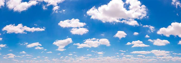 cloud「ふわふわした雲&ブルースカイのパノラマ」:スマホ壁紙(18)