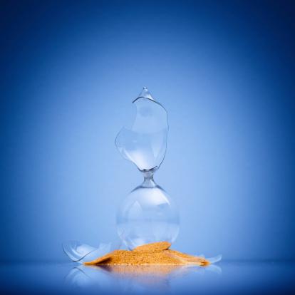 Broken「Broken Hourglass」:スマホ壁紙(11)