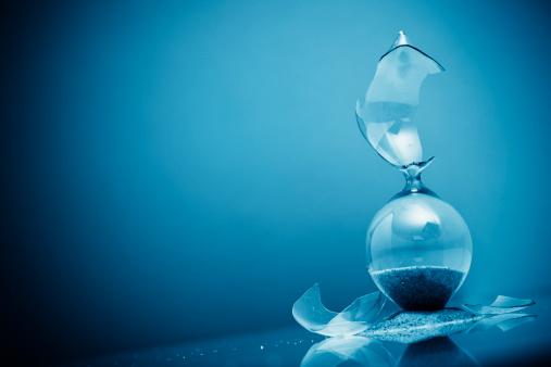 Time「Broken Hour Glass」:スマホ壁紙(1)
