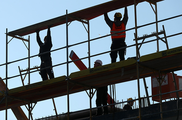 Construction Site「Analysts Warn Of Overheated Real Estate Market」:写真・画像(1)[壁紙.com]