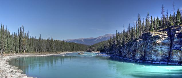 Athabasca River「Athabasca River panoramic view, Jasper National Park, Alberta, Canada.」:スマホ壁紙(3)