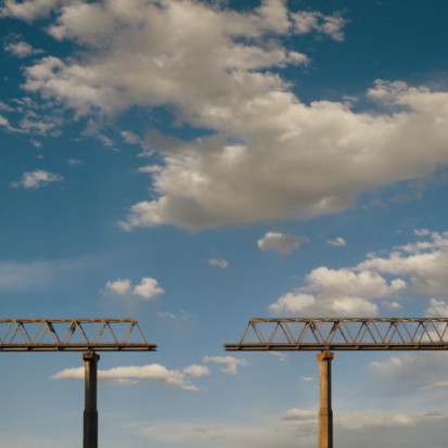 Digital Composite「Missing section in bridge against cloudy sky (Digital Composite)」:スマホ壁紙(16)