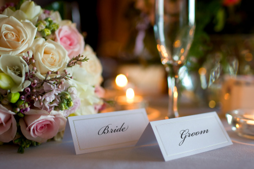 Bridegroom「Bride and Groom Place Cards with Bouquet at Wedding Reception」:スマホ壁紙(17)