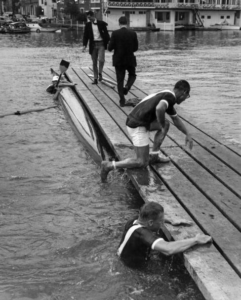 Capsizing「Cornell Rowers Capsize」:写真・画像(14)[壁紙.com]