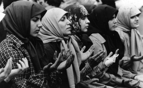 Iranian Culture「Headscarf Demo」:写真・画像(17)[壁紙.com]