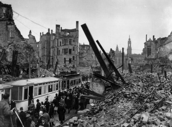 Bombing「Dresden」:写真・画像(19)[壁紙.com]