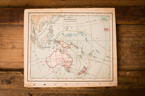 Latitude「Old Map of Australia, Sitting on Wood Trunk」:スマホ壁紙(8)