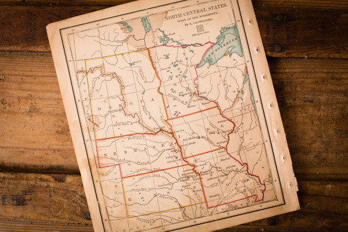 Latitude「Old,  Map of North Central States, Sitting Angled on Trunk」:スマホ壁紙(7)