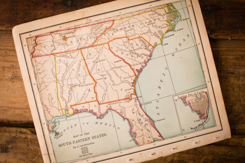 Tallahassee「Old, Map of South Eastern States, Sitting Angled on Trunk」:スマホ壁紙(9)