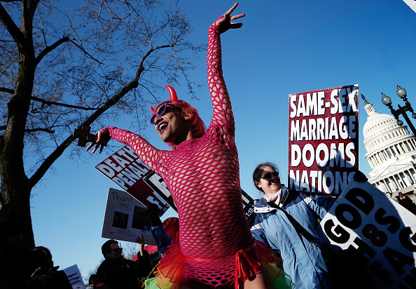 WBC「Supreme Court Hears Arguments On California's Prop 8 And Defense Of Marriage Act」:写真・画像(4)[壁紙.com]