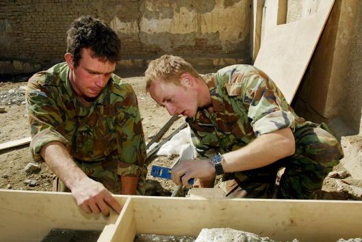 Kabul「British Royal Engineers Help Repair High School in Kabul」:写真・画像(4)[壁紙.com]