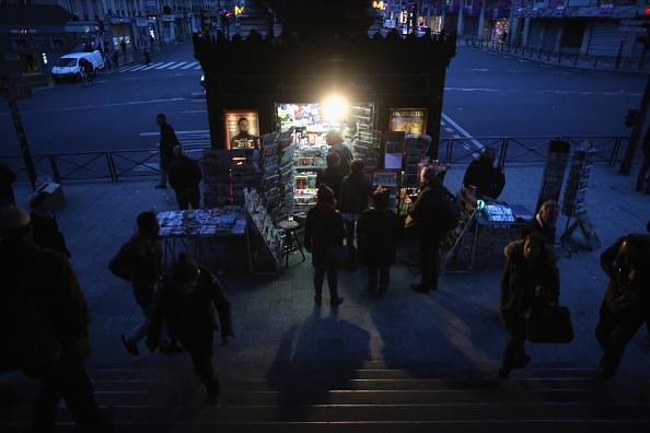 Charlie Hebdo「First International Edition Of Charlie Hebdo Published Since Paris Terror Attacks」:写真・画像(15)[壁紙.com]