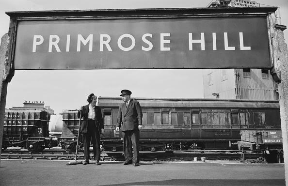Railroad Station「Primrose Hill Station Staff」:写真・画像(19)[壁紙.com]