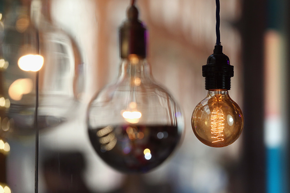 Light Bulb「British Gas Controversially Increases Its Energy Prices」:写真・画像(1)[壁紙.com]