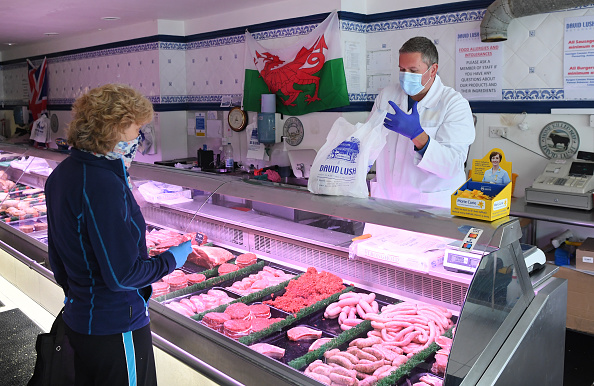 Butcher's Shop「UK In Fourth Week Of Coronavirus Lockdown As Death Toll Exceeds 10,000」:写真・画像(0)[壁紙.com]