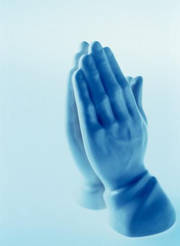 Praying「Praying hands statue」:スマホ壁紙(18)