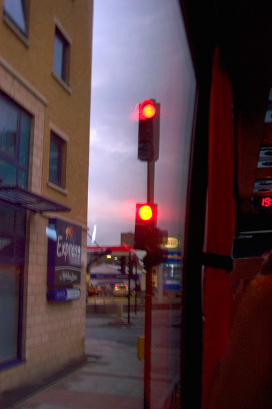 Road Signal「Red traffic light signal」:写真・画像(18)[壁紙.com]