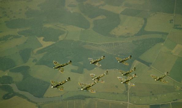 カラー画像「Supermarine Spitfire」:写真・画像(17)[壁紙.com]