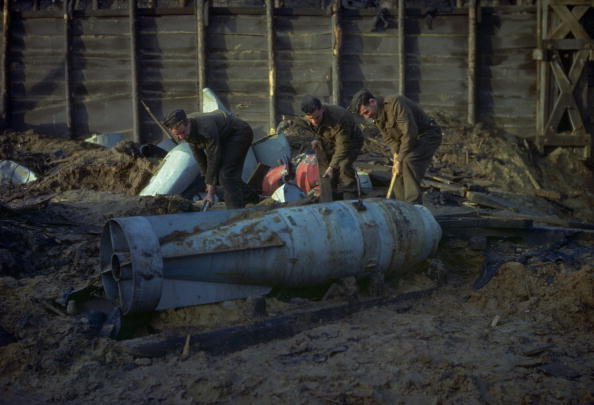 Explosive「Unexploded Bomb.」:写真・画像(17)[壁紙.com]