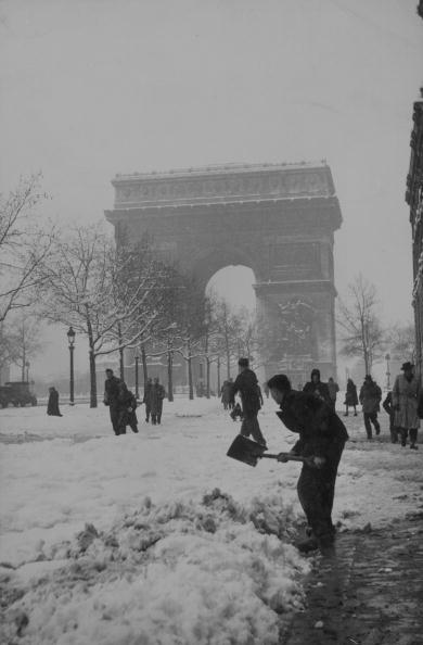 Behind「Snow De Triomphe」:写真・画像(8)[壁紙.com]