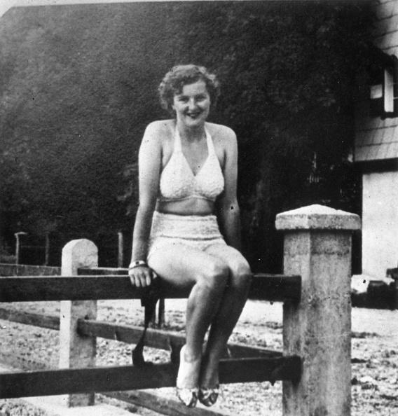 スクエア「Eva Braun」:写真・画像(2)[壁紙.com]