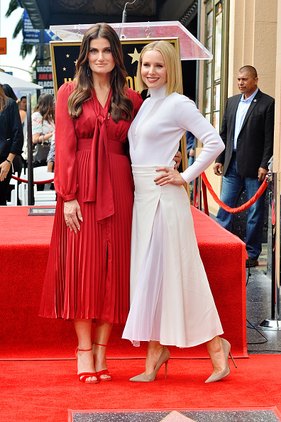 Pointed Toe「Kristen Bell And Idina Menzel Are Honored With Stars On The Hollywood Walk Of Fame」:写真・画像(3)[壁紙.com]