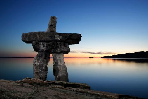 Indigenous Culture「XL inukshuk twilight」:スマホ壁紙(15)