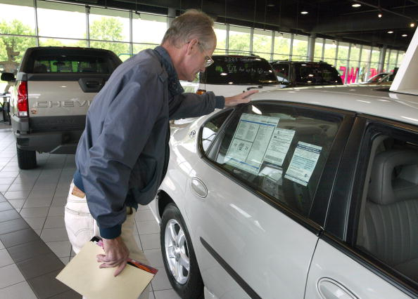 Car Dealership「Auto Dealers To Add More Sales Incentives」:写真・画像(12)[壁紙.com]