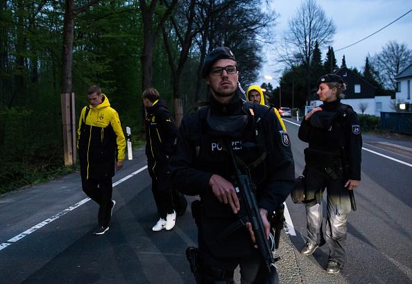 North Rhine Westphalia「Borussia Dortmund Bus Explosion Injures One」:写真・画像(13)[壁紙.com]