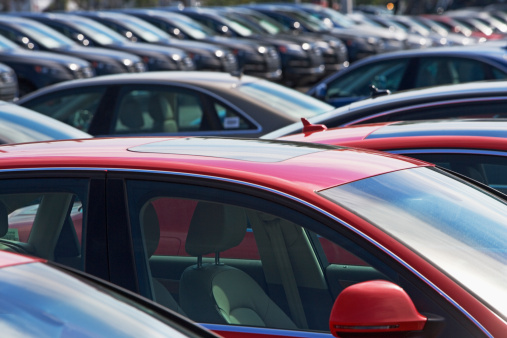 Car Dealership「Row of cars in car lot」:スマホ壁紙(2)