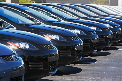 Car Dealership「Row of cars in car lot」:スマホ壁紙(5)