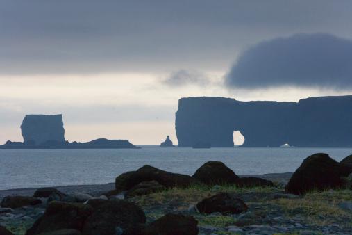 Basalt「Iceland, basalt rock formation on coastline」:スマホ壁紙(9)