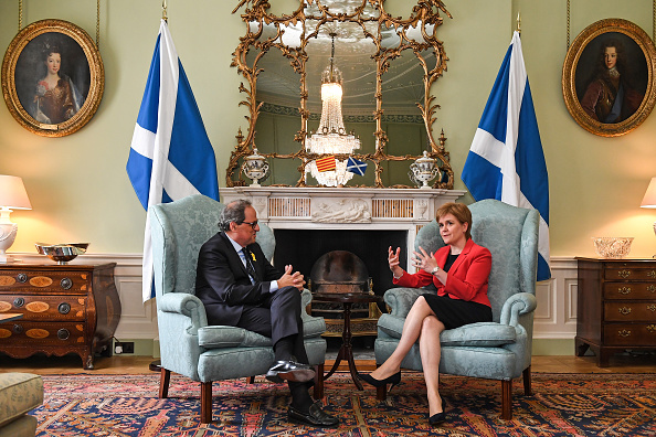 Jeff J Mitchell「The Scottish First Minister Meets The President Of Catalonia」:写真・画像(19)[壁紙.com]