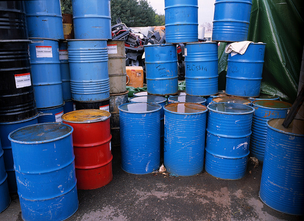 Chemical「Barrels with toxic substances at collecting point」:写真・画像(3)[壁紙.com]