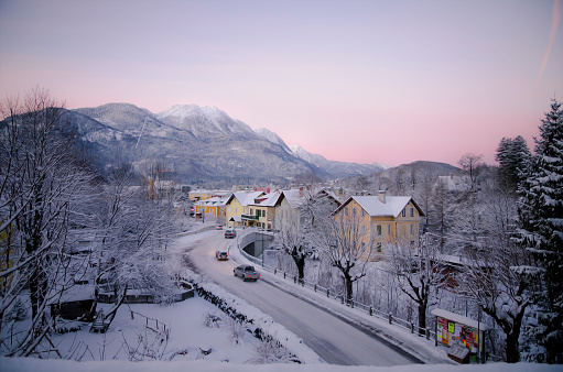 Salzkammergut「Austria, Salzkammergut, Bad Ischl in winter at daybreak」:スマホ壁紙(8)