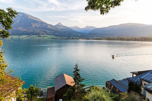 St「Austria, Salzburg State, Salzkammergut, St. Wolfgang at Lake Wolfgangsee」:スマホ壁紙(15)